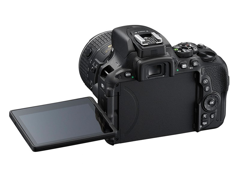 Nikon-D5500-with-rotating-flip-screen